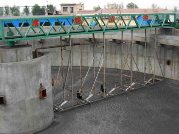半桥shi周边chuan动刮泥机